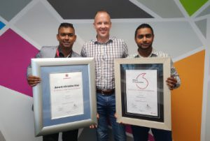 vodacom presenting rewardsco sales with the call centre dealer of the year award
